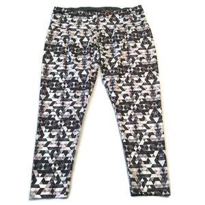 Ajio Workout Capri Leggings Pants 2x Fits XL 1x